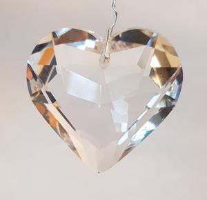 Hjärta 45 mm transparant fasettslipat glas köp hos Plantanica